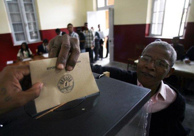 2013-08-Mada-Elections